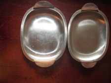 2 X  VINTAGE DAYSUN STAINLESS STEEL DISHES TRAYS TEAK HANDLES HORS D'OEUVRES